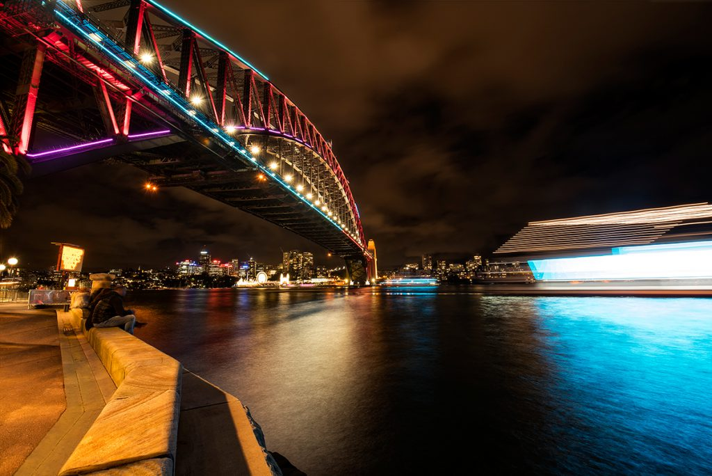 watching-the-boats-go-by-at-vivid-long-shutter-speed-example