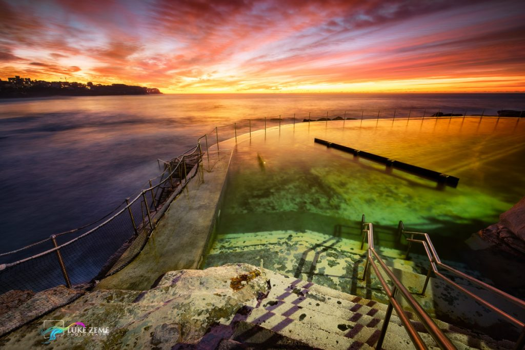 bronte-baths-swimming-pool-sydney-intense-amazing-sunrise-beach-ocean-luke-zeme